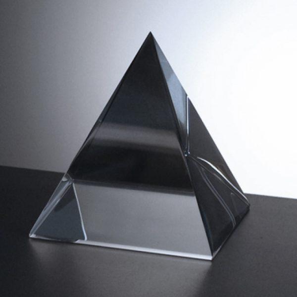 engrave-pyramid